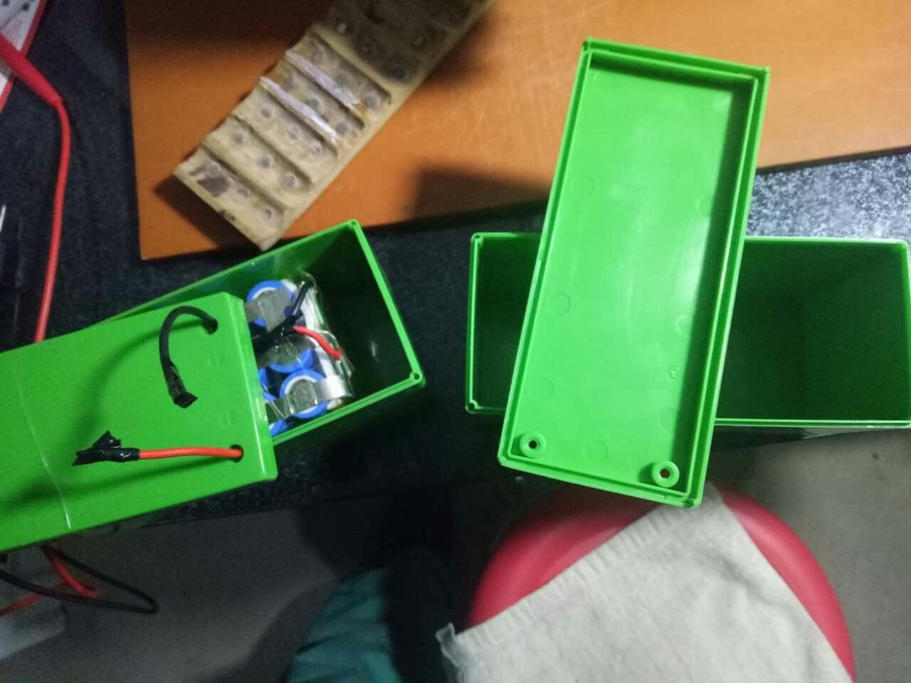 电动喷雾器锂电池壳焊接