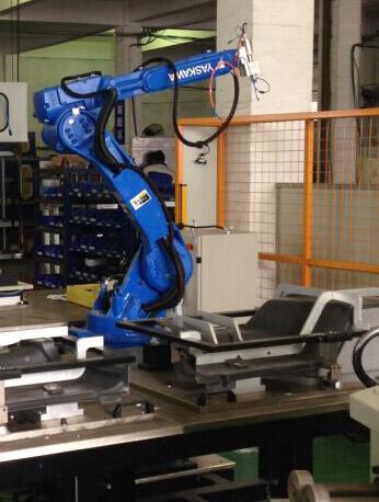 机械臂汽车门板隔音毛毡焊接设备