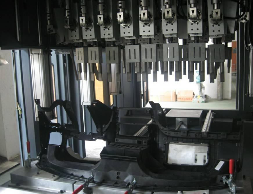 汽车仪表台多头超声波穿刺焊接机