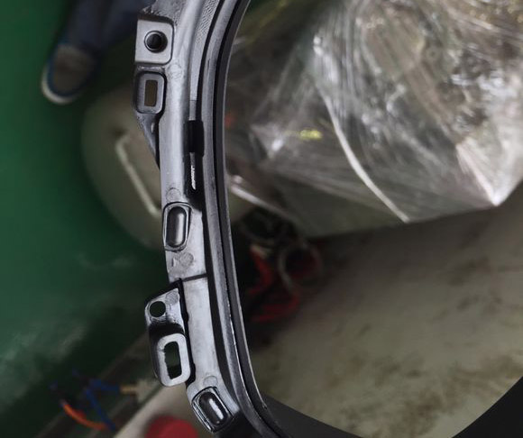 汽车仪表指示牌热熔铆点焊接