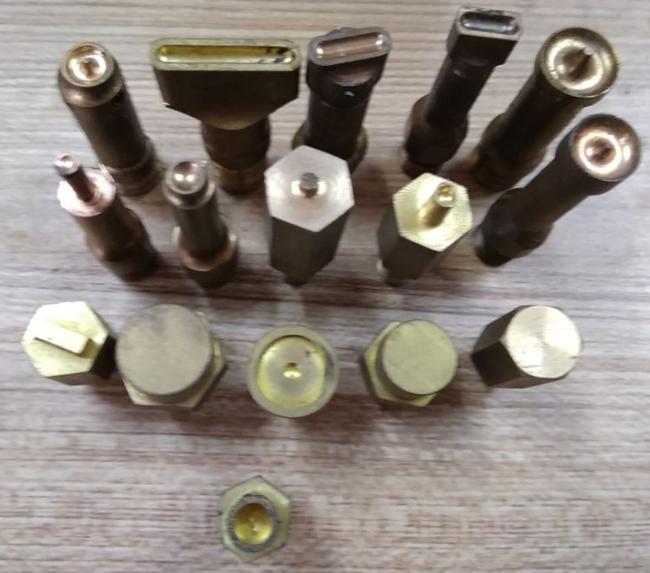 热熔热铆焊接头制作