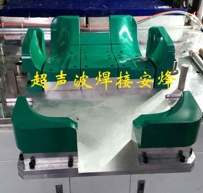 汽车椅背板胎膜