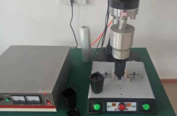 超声波焊接机上模发烫的主要原因以及解决方法